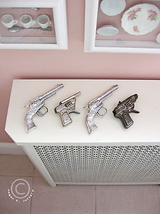 Guns1