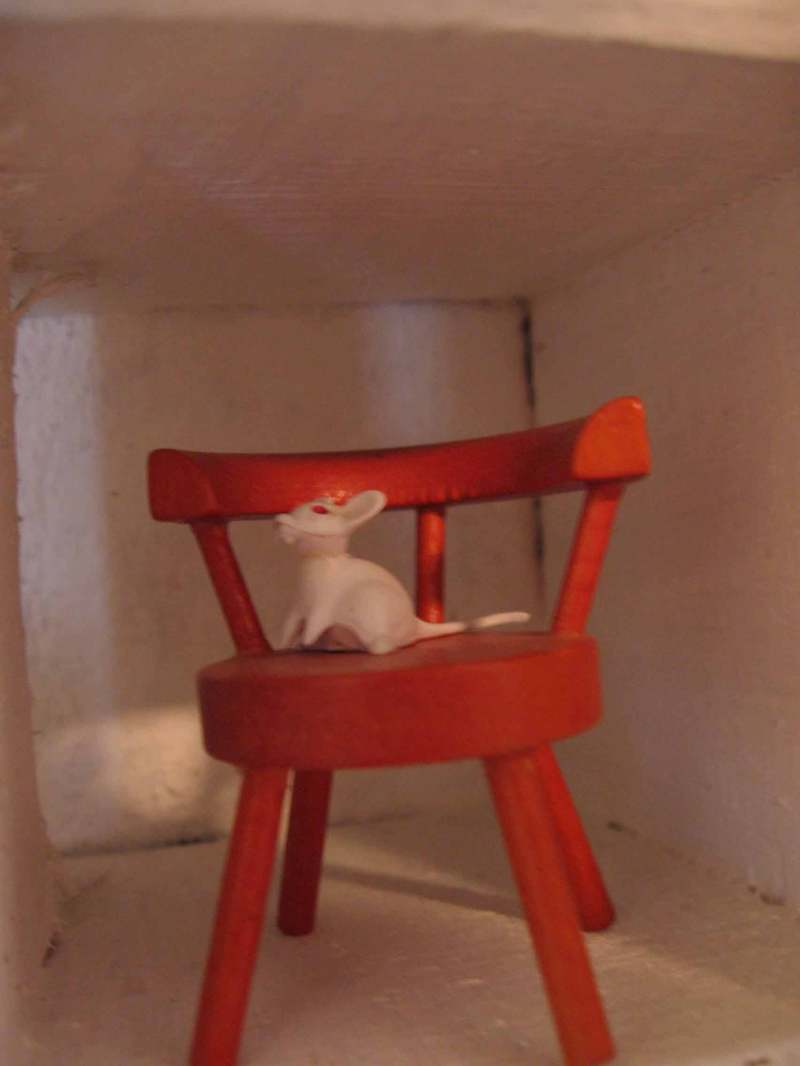 Mouse_on_chair